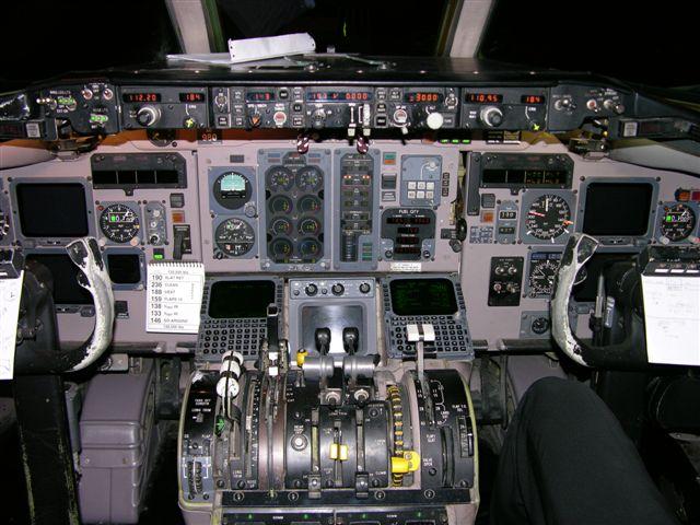 MD-88 cockpit