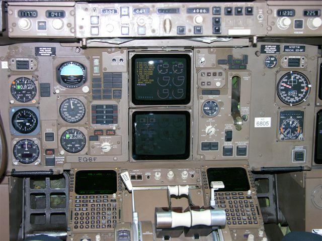 B-767 cockpit
